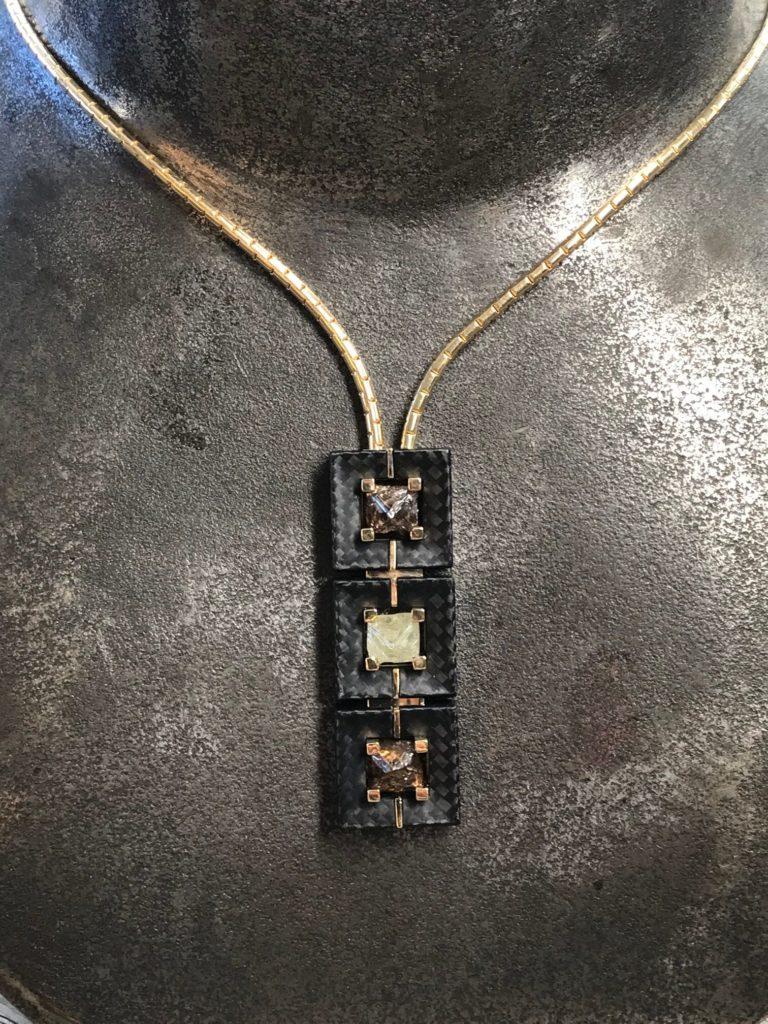 Anhänger Gold Carbon Rohdiamanten