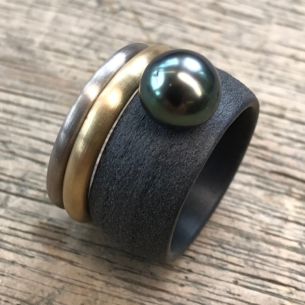 Ring Carbon mit Tahitiperle